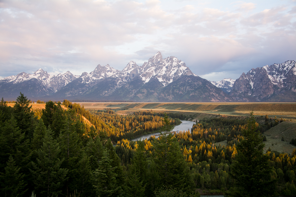 A travel guide to jackson hole for Jackson hole travel guide